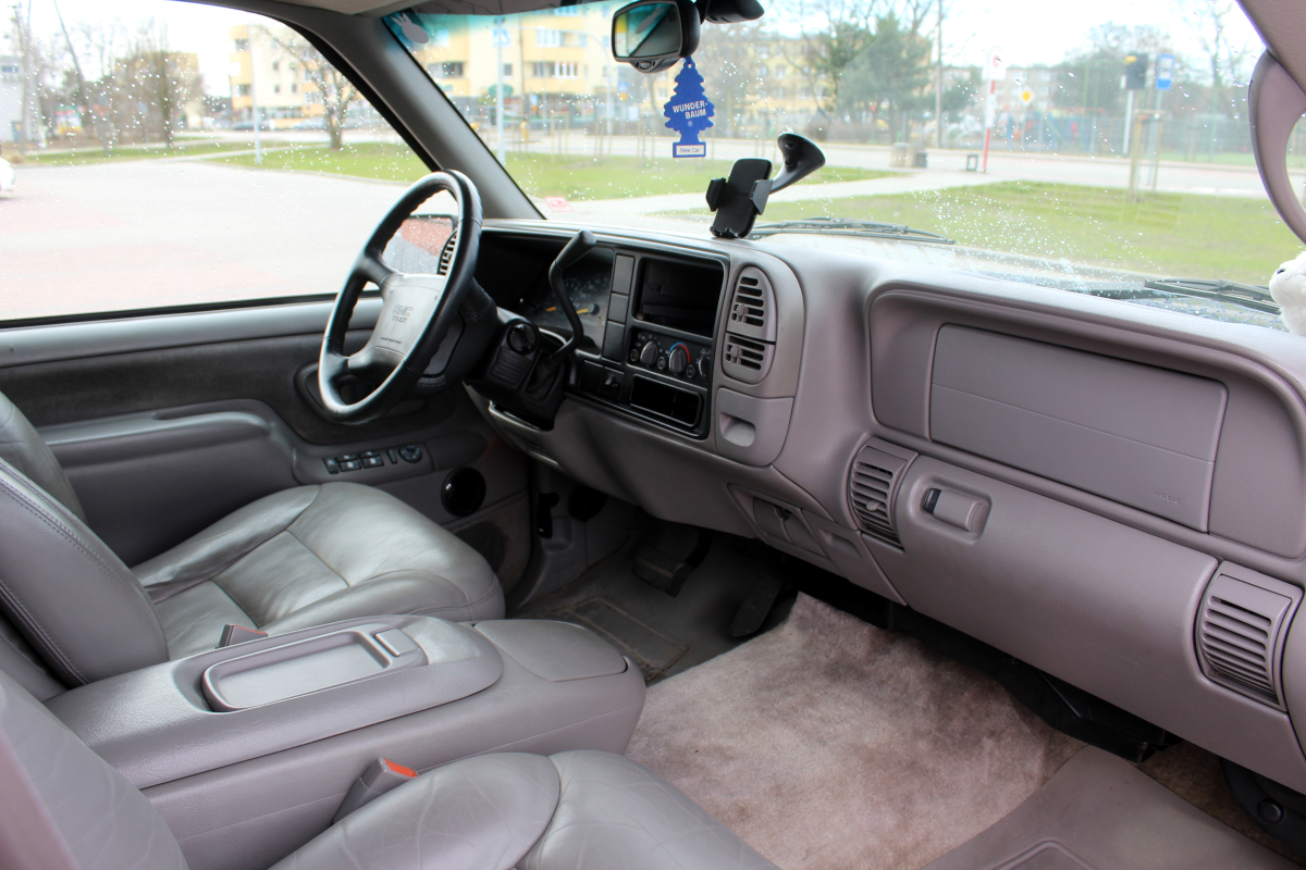 GMC Yukon '97 wnętrze