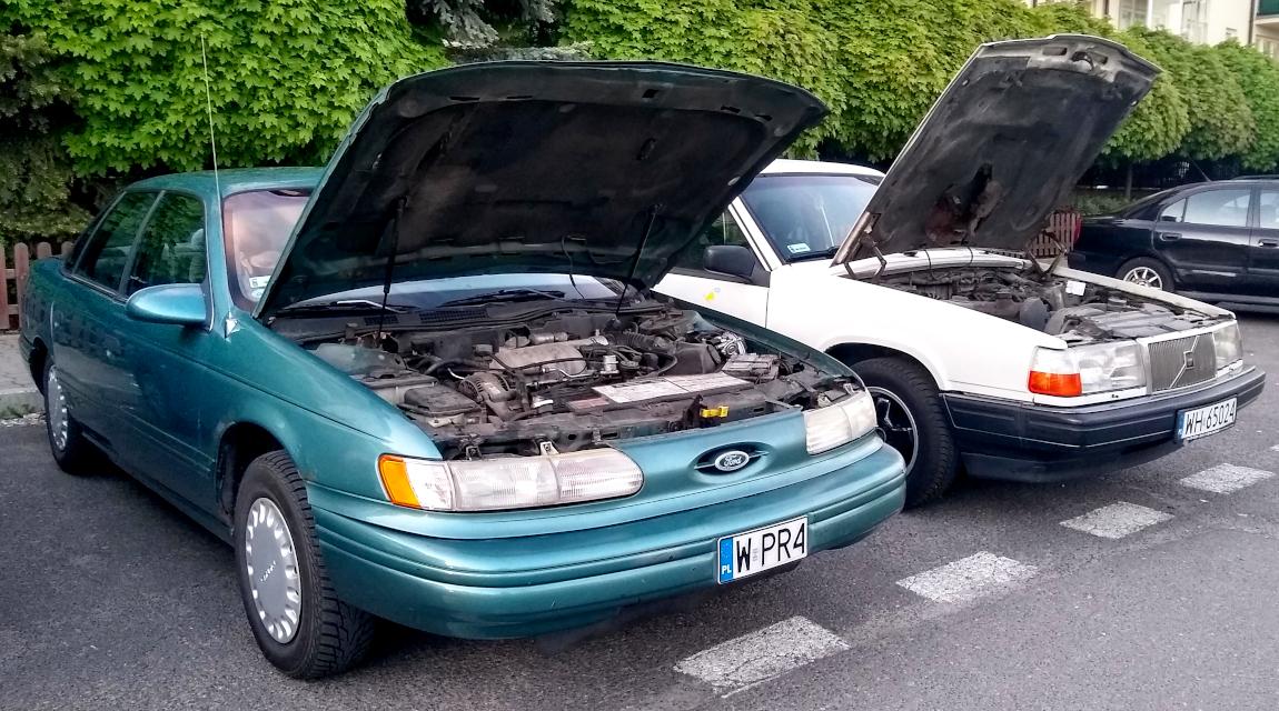 Ford Taurus i Volvo 940