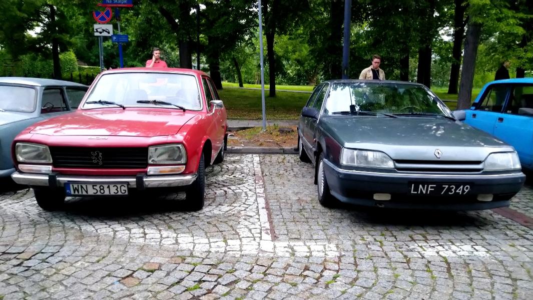 Peugeot 504, Renault 25