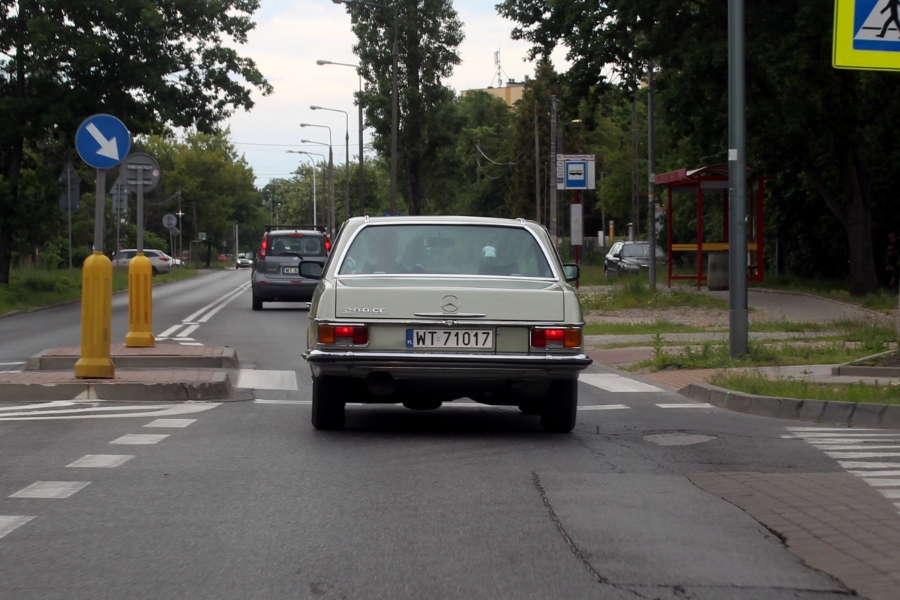 Mercedes C114