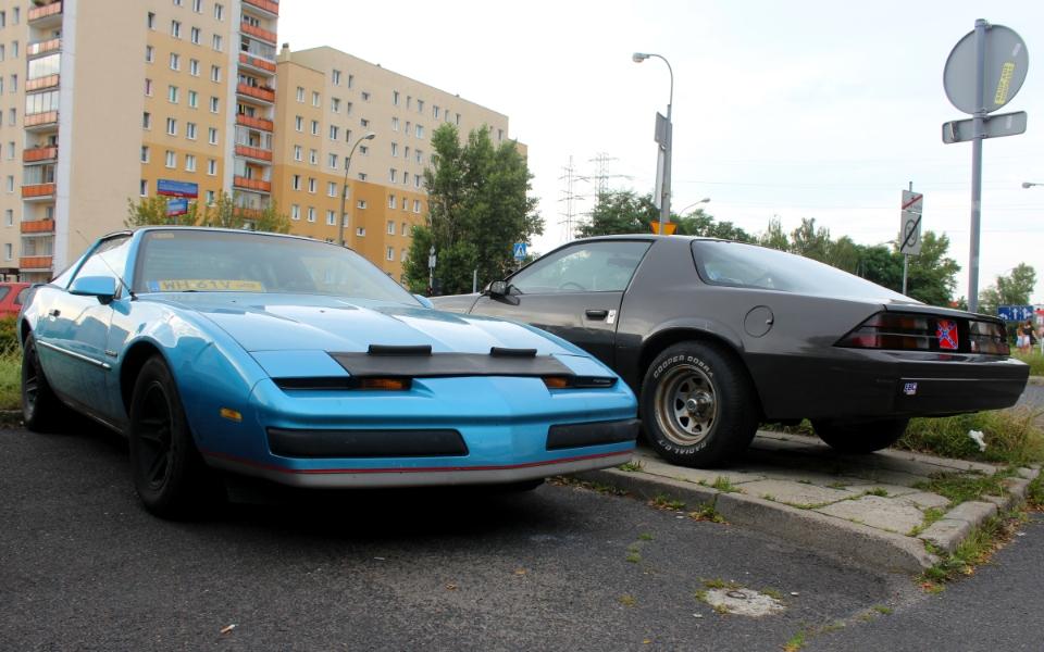 Pontiac Firebird i Chevrolet Camaro
