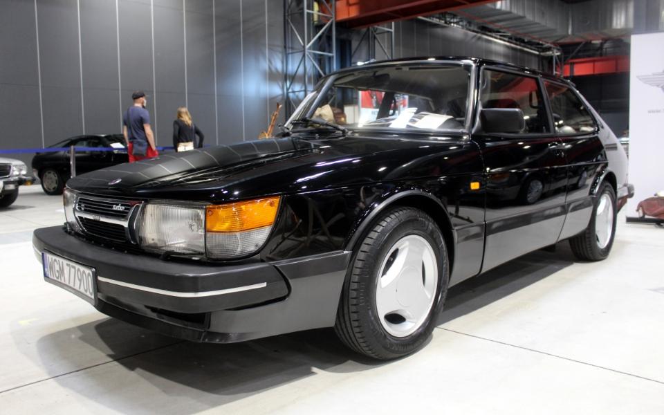 Auto Nostalgia 2020 - Saab 900