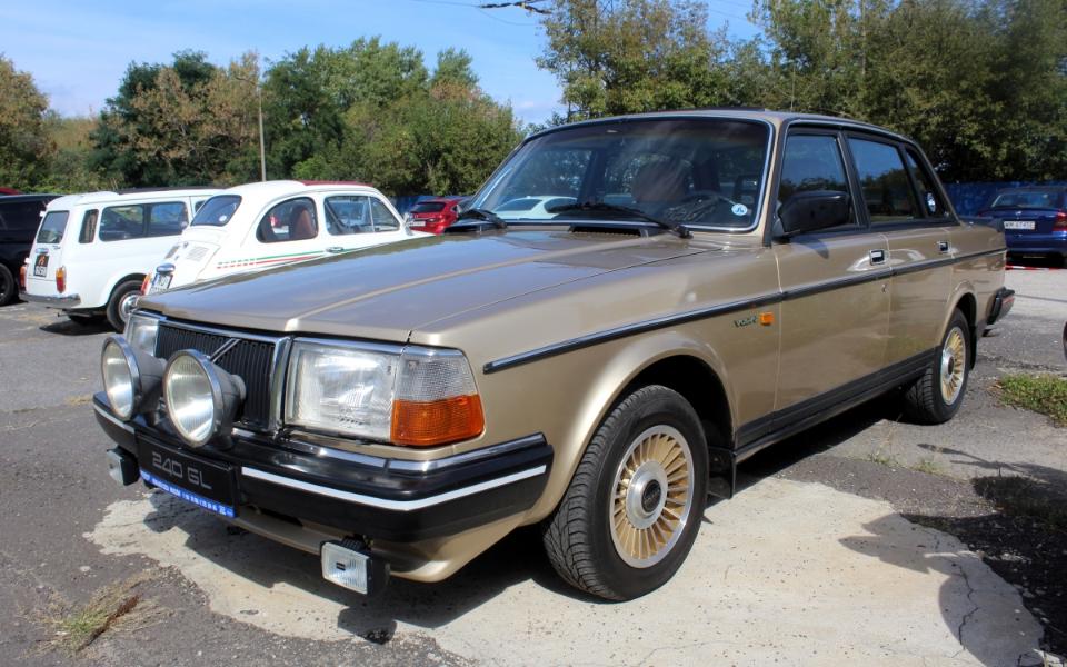 Auto Nostalgia 2020 - Volvo 240
