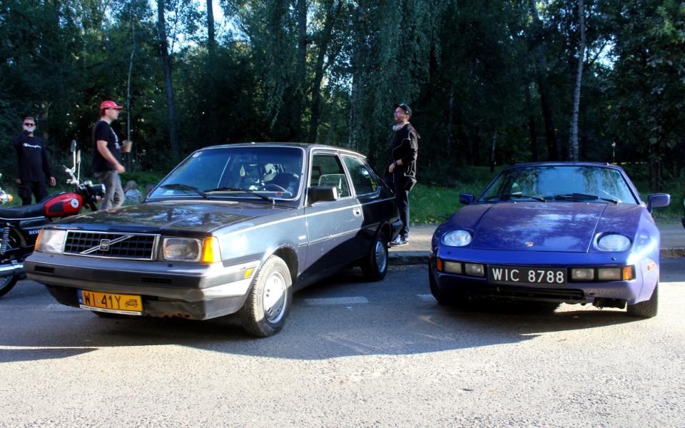 Ta Ostatnia Niedziela 2020 - Volvo 340 i Porsche 928