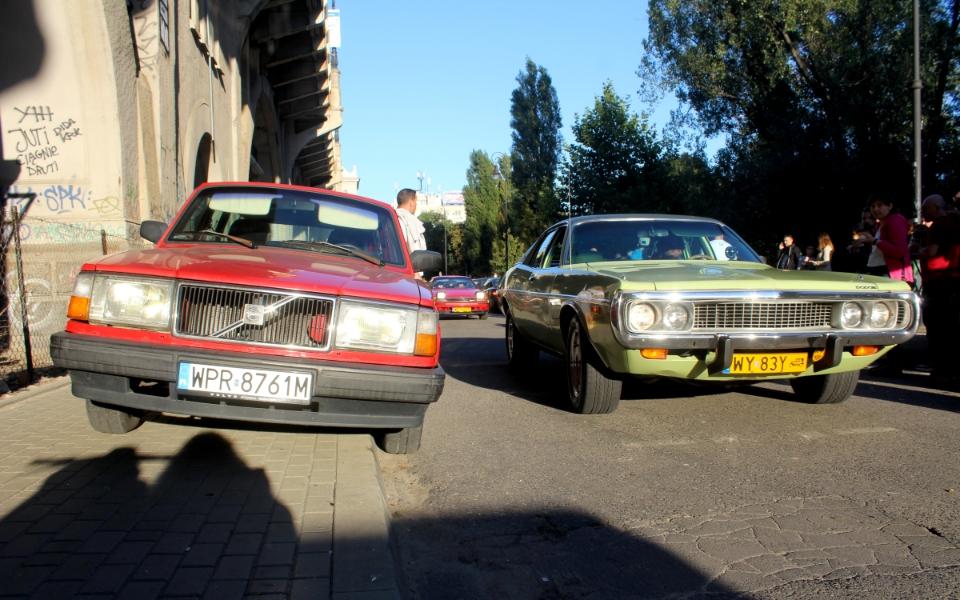 Ta Ostatnia Niedziela 2020 - Volvo 240 i Dodge Coronet
