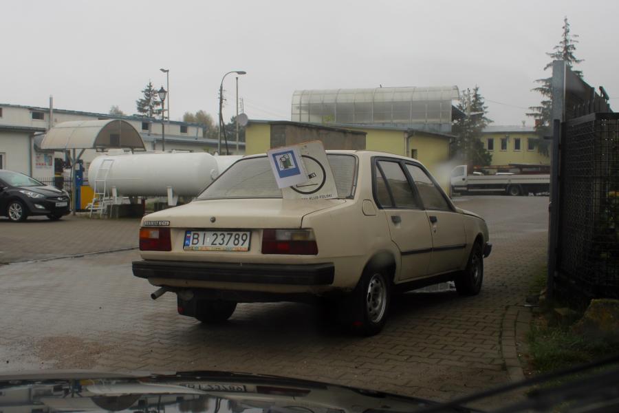 Stary Pojazd i Może - Do Pełna: stacja