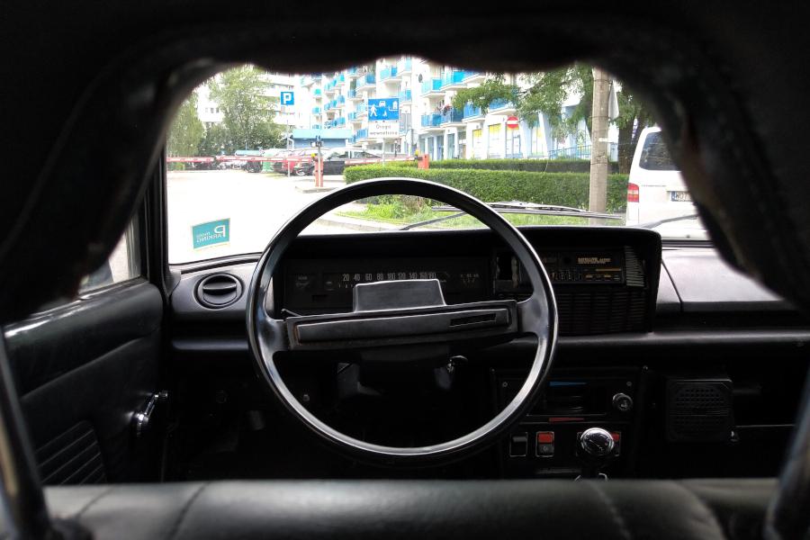 Fiat 125p - wnętrze
