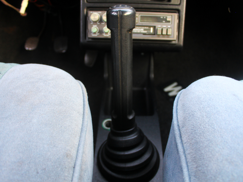 Seat Ronda - dźwignia zmiany biegów