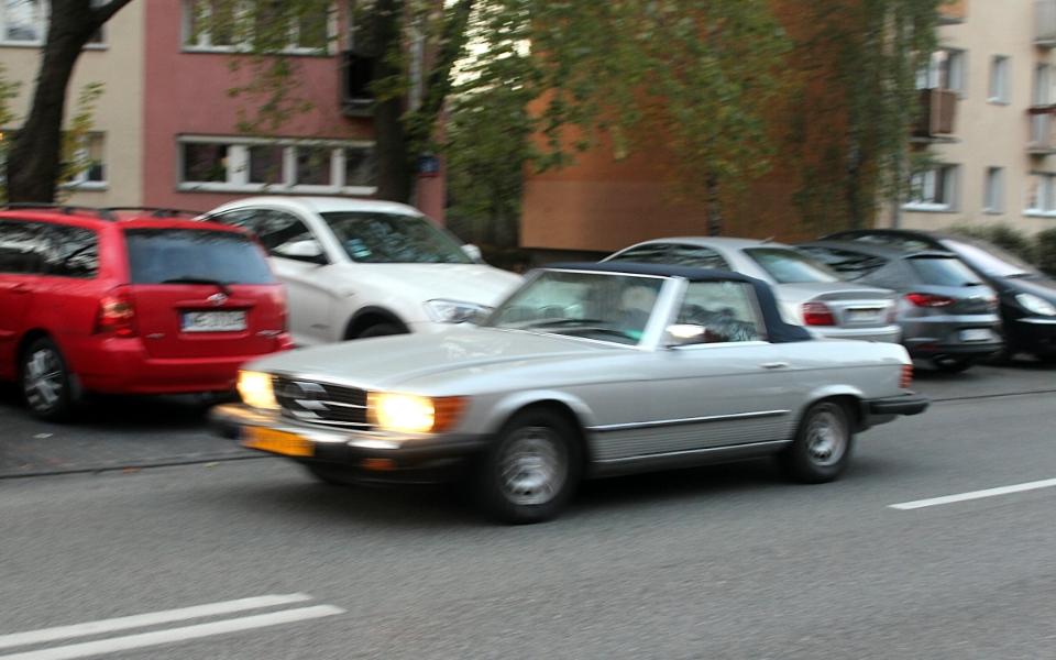 Mercedes R109