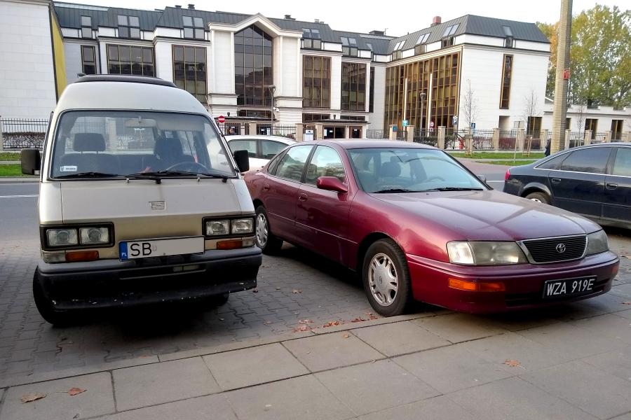 Subaru Libero i Toyota Avalon