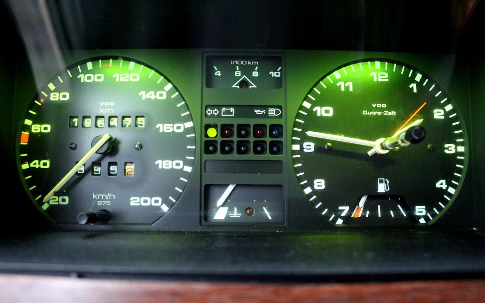 VW Passat B2 - zestaw wskaźników