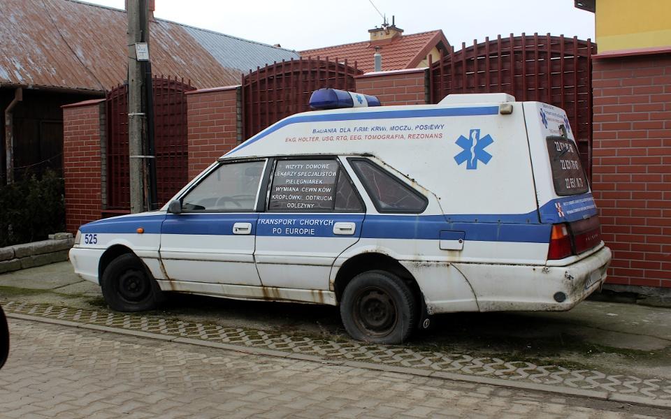 Polonez Cargo Plus ambulans