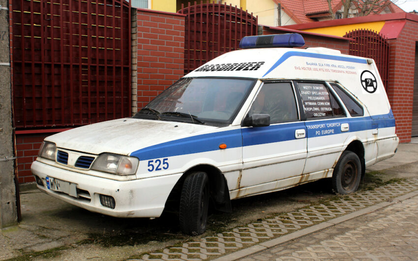 Polonez Cargo Plus ambulans