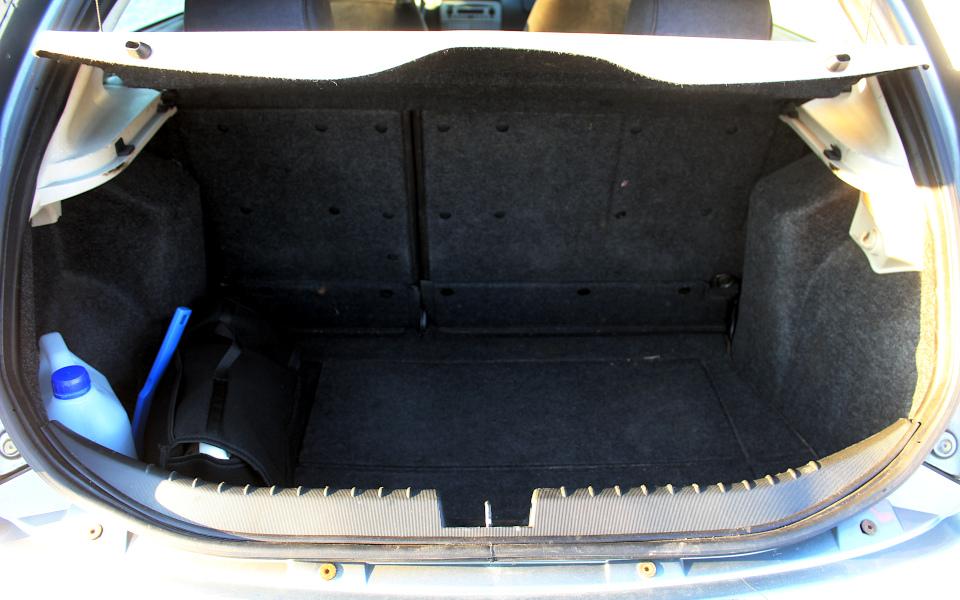 Alfa 147 - bagażnik