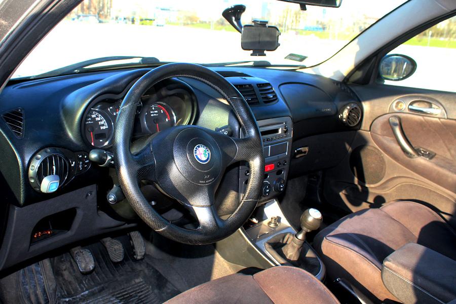 Alfa Romeo 147 - wnętrze