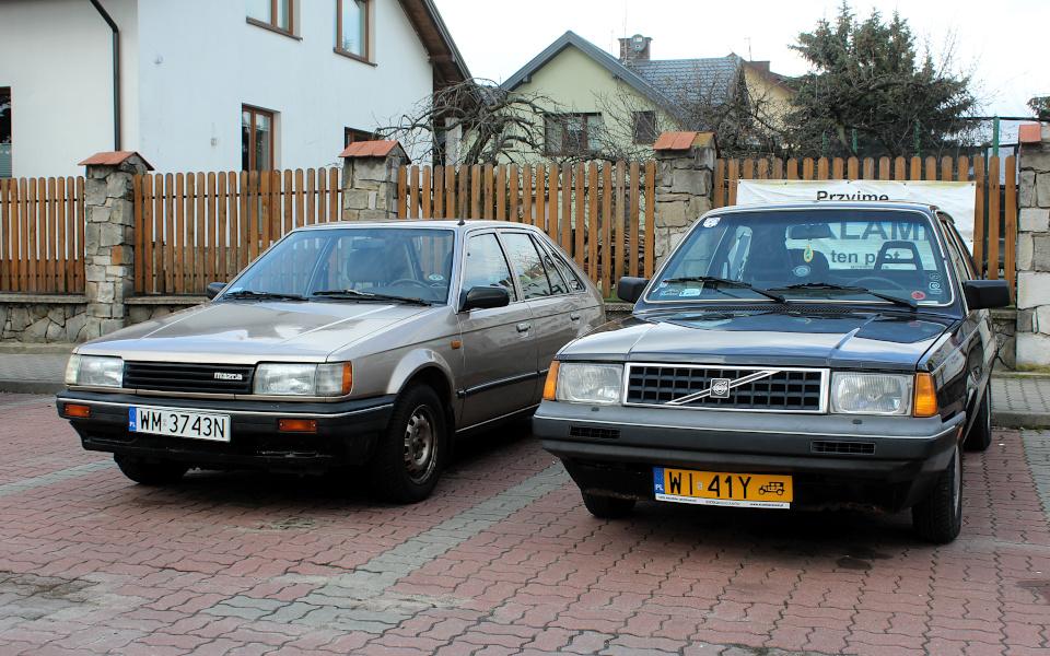 Jajeczko w Gracie - Mazda 323 i Volvo 340 DAFuq