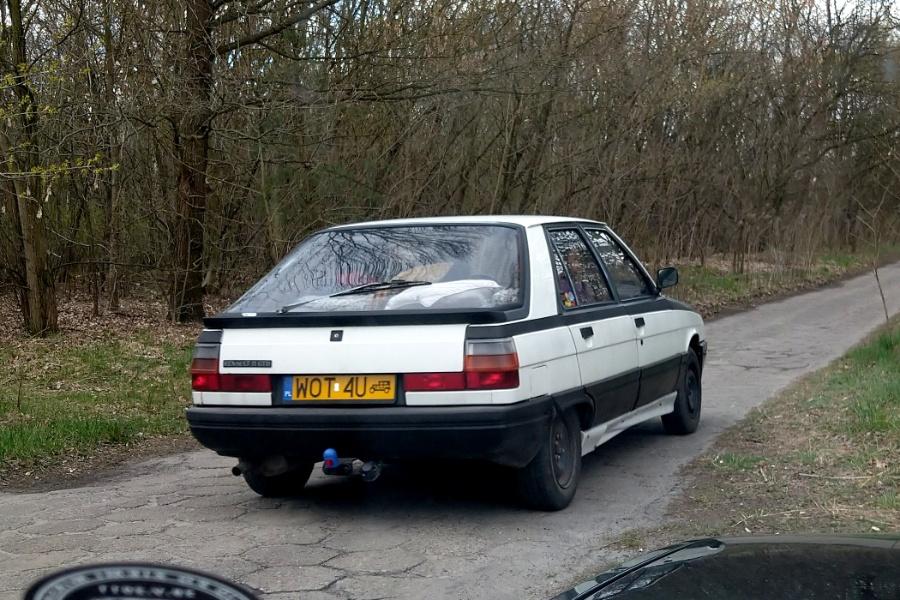 V Rajd Rembertowski - Renault 11