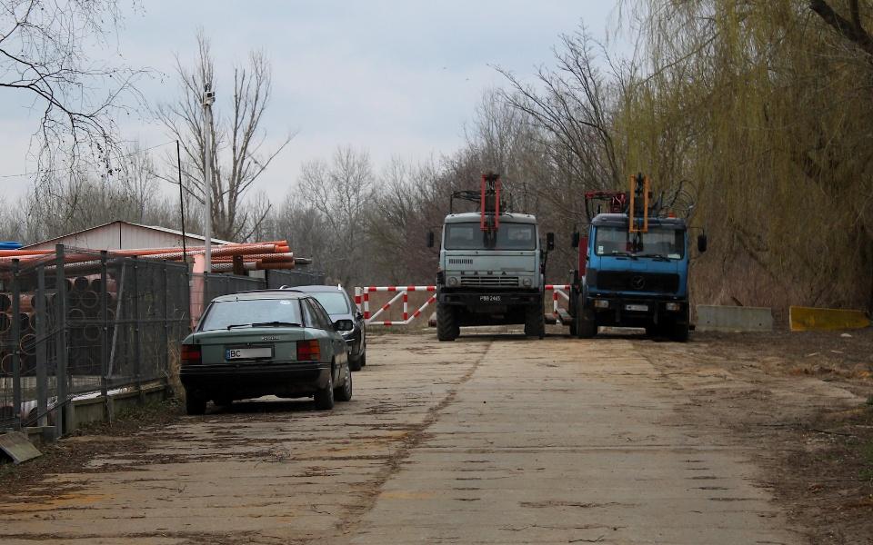 Ford Scorpio, Kamaz i ciężarowy Mercedes