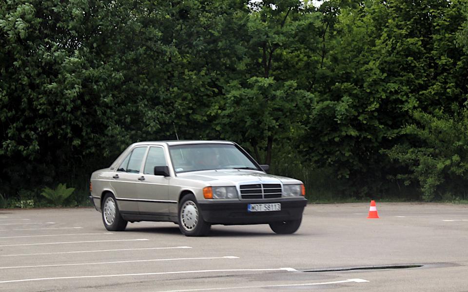 IX Rajd po Ziemi Mińskiej - Mercedes 190 na próbie sportowej