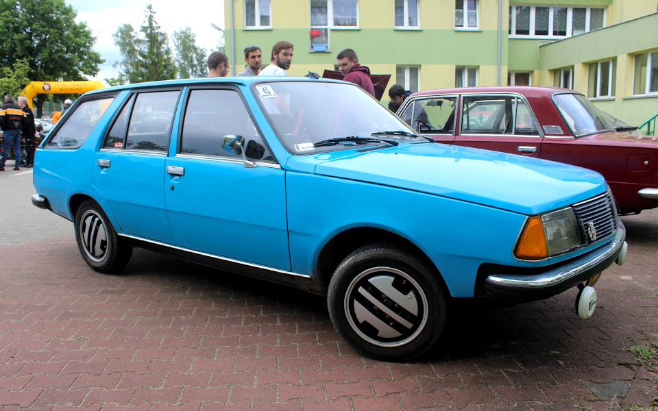 IX Rajd po Ziemi Mińskiej - Renault 18 Break na mecie