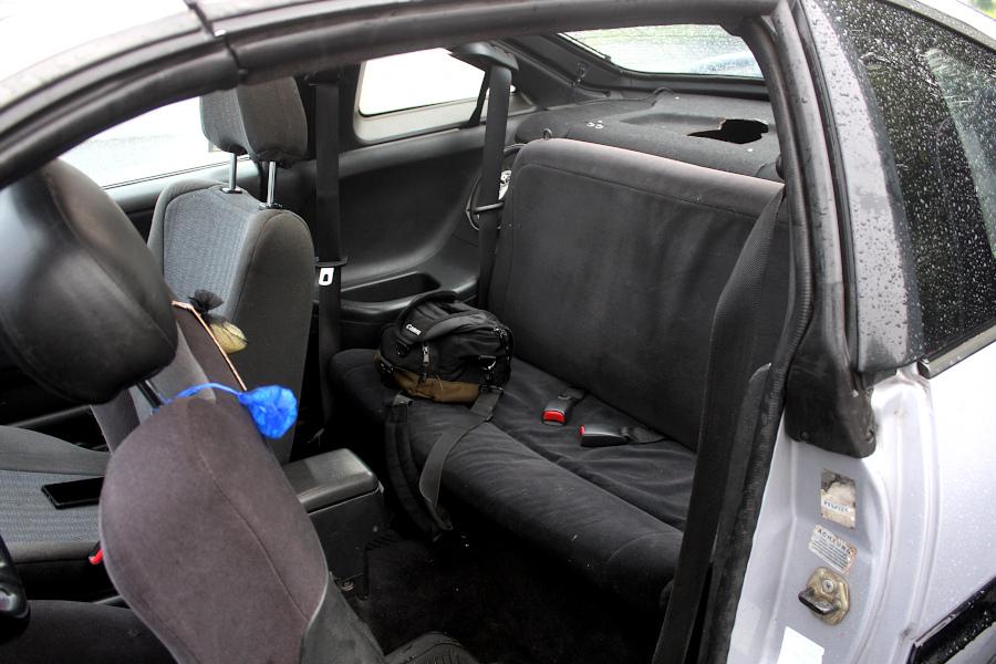 Nissan 100NX - wnętrze tył