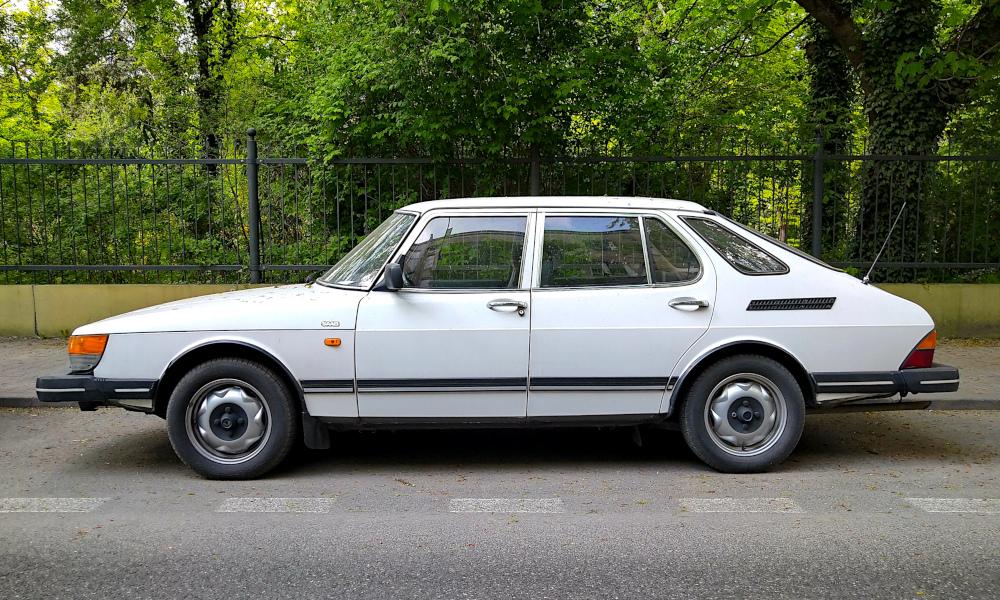 Saab 900 5d