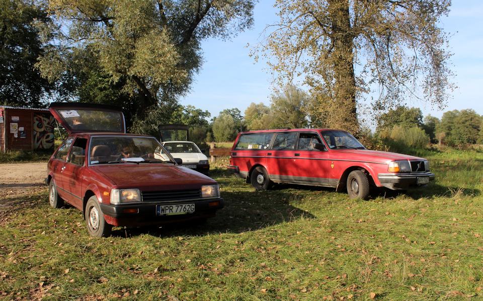 Stary Pojazd i Może - Mazda 323, Honda CRX, Volvo 240
